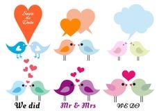 Πουλιά αγάπης με τις καρδιές, διανυσματικό σύνολο Στοκ εικόνα με δικαίωμα ελεύθερης χρήσης