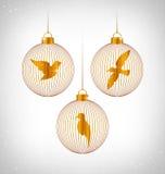Πουλιά στις σφαίρες Χριστουγέννων στο grayscale απεικόνιση αποθεμάτων