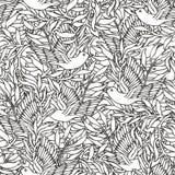 Πουλιά στο υπόβαθρο θάμνων Στοκ Εικόνες