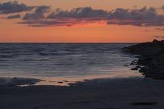 Που χρωματίζεται το ηλιοβασίλεμα καλύπτει εν πλω στοκ εικόνες με δικαίωμα ελεύθερης χρήσης