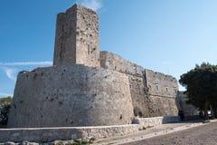 Πούλια, Ιταλία Castle σε Monte Sant ` Angelo, γραφική πόλη κορυφών υψώματος Puglian στοκ φωτογραφία με δικαίωμα ελεύθερης χρήσης