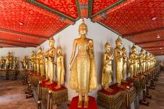 Πολλά αγάλματα του Βούδα στο ναό Wat Pho στη Μπανγκόκ Στοκ Εικόνες