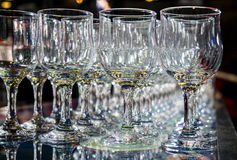 Πολλά κενά κενά γυαλιά κρασιού Στοκ Φωτογραφία