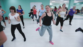 Πολλά κορίτσια για να συμμετέχουν στην ικανότητα ασκούν απόθεμα βίντεο