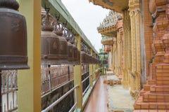 Πολλά κουδούνια στον ταϊλανδικό ναό Στοκ εικόνα με δικαίωμα ελεύθερης χρήσης