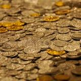 Πολλά νομίσματα Στοκ φωτογραφίες με δικαίωμα ελεύθερης χρήσης