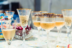 Πολλά ποτήρια της σαμπάνιας Στοκ εικόνα με δικαίωμα ελεύθερης χρήσης