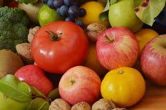 Πολλά φρούτα και λαχανικά Στοκ φωτογραφία με δικαίωμα ελεύθερης χρήσης