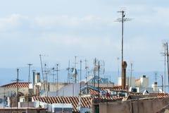 Πολλές κεραίες στις στέγες Στοκ εικόνα με δικαίωμα ελεύθερης χρήσης