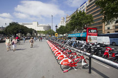 Ποδήλατα για το μίσθωμα στη Βαρκελώνη Στοκ Φωτογραφίες