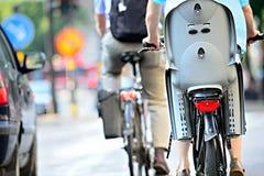 Ποδήλατα στην κυκλοφορία Στοκ Φωτογραφία