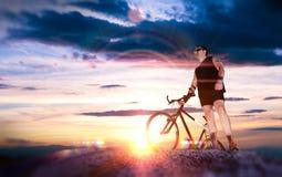 Ποδήλατο βουνών Αθλητισμός και υγιής ζωή Στοκ φωτογραφία με δικαίωμα ελεύθερης χρήσης