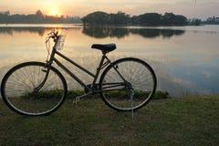 Ποδήλατο για τη ζωή, που εξισώνει το χρόνο Στοκ εικόνα με δικαίωμα ελεύθερης χρήσης