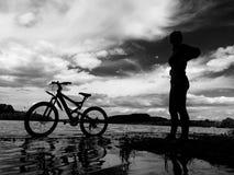 Ποδήλατο Θεών με το κορίτσι Θεών Στοκ Εικόνες