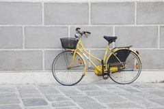 ποδήλατο κίτρινο Στοκ Εικόνα