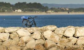 ποδήλατο που σταθμεύο&upsilo Στοκ φωτογραφία με δικαίωμα ελεύθερης χρήσης
