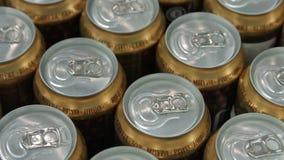 Πολλή μπύρα κονσερβοποιεί την κινηματογράφηση σε πρώτο πλάνο φιλμ μικρού μήκους