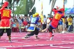 Πολεμικές τέχνες του ανθρώπινου σκακιού σε ένα φεστιβάλ στην παραλία της πόλης Nha Trang Στοκ εικόνα με δικαίωμα ελεύθερης χρήσης