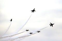 Πολεμική Αεροπορία των Η.Π.Α. Thunderbirds σε κλειστό σχηματισμό Στοκ Φωτογραφίες