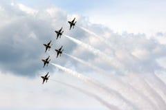 Πολεμική Αεροπορία των Η.Π.Α. Thunderbirds στο σχηματισμό Στοκ εικόνα με δικαίωμα ελεύθερης χρήσης