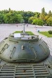 πολεμικό μνημείο με τη δεξαμενή Στοκ φωτογραφία με δικαίωμα ελεύθερης χρήσης