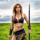 Πολεμιστής κοριτσιών στον τομέα Αμαζόνιος στην περίπολο Στοκ Φωτογραφίες