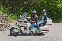 Ποδηλάτες που οδηγούν τη Honda Goldwing 1500 κύλινδρος 6 Στοκ φωτογραφία με δικαίωμα ελεύθερης χρήσης