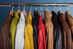 Πολλοί χρωματισμένο σακάκι δέρματος Στοκ εικόνες με δικαίωμα ελεύθερης χρήσης