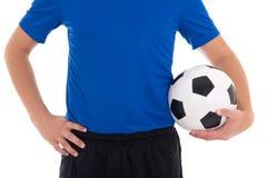 Ποδοσφαιριστής στο μπλε με μια σφαίρα που απομονώνεται στο άσπρο υπόβαθρο Στοκ Εικόνες