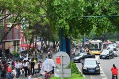 Πολυάσχολη κινεζική σκηνή οδών Στοκ Εικόνες