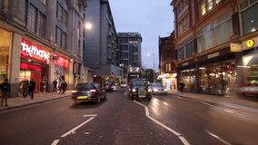 Πολυάσχολη κυκλοφορία στο Λονδίνο απόθεμα βίντεο