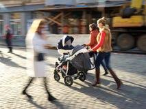 Πολυάσχολοι άνθρωποι πόλεων Στοκ φωτογραφία με δικαίωμα ελεύθερης χρήσης
