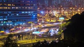 Πολυάσχολος λιμένας Timelapse φόρτωσης δρόμων και φορτίου. Χονγκ Κονγκ. Σφιχτό ζουμ στον πυροβολισμό. απόθεμα βίντεο