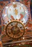 Πολυέλαιος κάτω από το θόλο μέσα στον καθεδρικό ναό μεταμόρφωσης του μοναστηριού λυτρωτών του ST Euthymius, Ρωσία, Σούζνταλ Στοκ φωτογραφίες με δικαίωμα ελεύθερης χρήσης