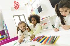 Πολυφυλετικός σχεδιασμός παιδιών Στοκ φωτογραφία με δικαίωμα ελεύθερης χρήσης