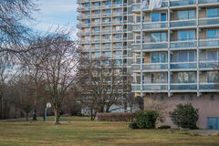 Πολυόροφο κτίριο διαμερισμάτων Στοκ Φωτογραφίες