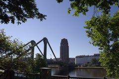 Πολυόροφο κτίριο και γέφυρα στη Φρανκφούρτη στην κύρια Γερμανία #8 Στοκ φωτογραφία με δικαίωμα ελεύθερης χρήσης