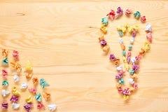 Πολυ έννοια ιδέας βολβών σημειώσεων ραβδιών χρώματος Στοκ Φωτογραφίες