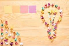 Πολυ έννοια ιδέας βολβών σημειώσεων ραβδιών χρώματος Στοκ φωτογραφίες με δικαίωμα ελεύθερης χρήσης
