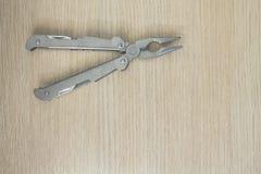 Πολυ εργαλείο στο ξύλινο υπόβαθρο 3 Στοκ φωτογραφίες με δικαίωμα ελεύθερης χρήσης
