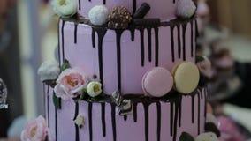 Πολυ-τοποθετημένο στη σειρά κέικ γενεθλίων απόθεμα βίντεο