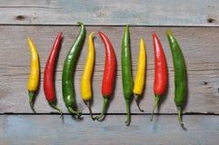 Πολυ χρωματισμένα καυτά πιπέρια τσίλι Στοκ Εικόνες