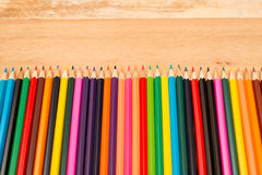 Πολυ χρωματισμένα μολύβια με το διάστημα κειμένων Στοκ Φωτογραφίες
