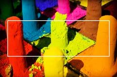 Πολυ χρωματισμένο παραδοσιακό φεστιβάλ Holi χρωστικών ουσιών σκονών προσώπου στοκ φωτογραφίες με δικαίωμα ελεύθερης χρήσης