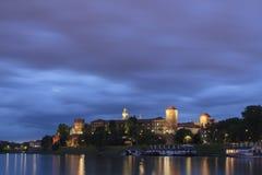 Πολωνία, Κρακοβία, Wawel το βασιλικό Castle LIT-επάνω στοκ εικόνα με δικαίωμα ελεύθερης χρήσης