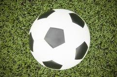 ποδόσφαιρο γυαλιού καψίματος σφαιρών aqua Στοκ εικόνα με δικαίωμα ελεύθερης χρήσης