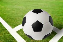 ποδόσφαιρο γυαλιού καψίματος σφαιρών aqua Στοκ φωτογραφία με δικαίωμα ελεύθερης χρήσης