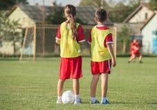 ποδόσφαιρο κατσικιών στοκ εικόνες με δικαίωμα ελεύθερης χρήσης
