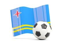 Ποδόσφαιρο με την κυματίζοντας σημαία του Aruba που απομονώνεται στο λευκό Στοκ Εικόνες