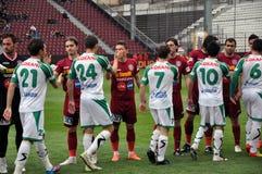 ποδόσφαιρο παιχνιδιών αρχής Στοκ Φωτογραφία